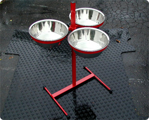 Massive triple feeding tower adjustable with three 5-quart stainless bowls.